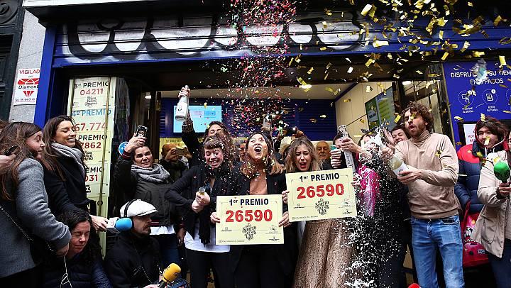 Un Gordo tempranero, el 26.590, reparte millones de la Lotería sobre todo en Salou, Alicante y Salamanca