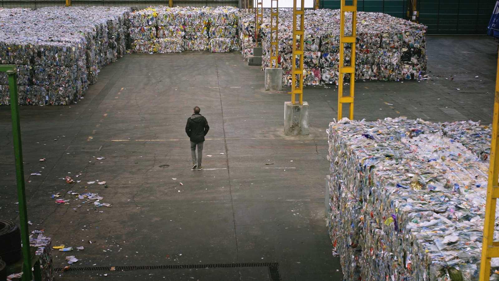 El cazador de cerebros - Como reconciliarnos con los plásticos - Ver ahora