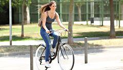 Sevilla impulsa cursos para que más mujeres monten en bicicleta