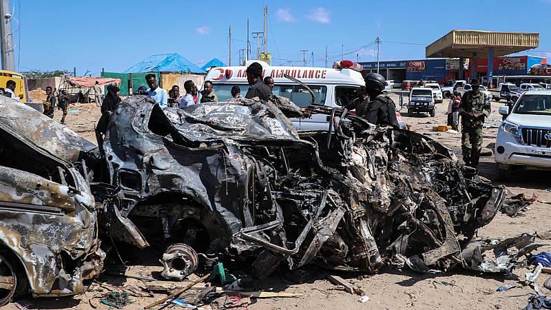 Más de 90 muertos en un atentado con coche bomba en Somalia