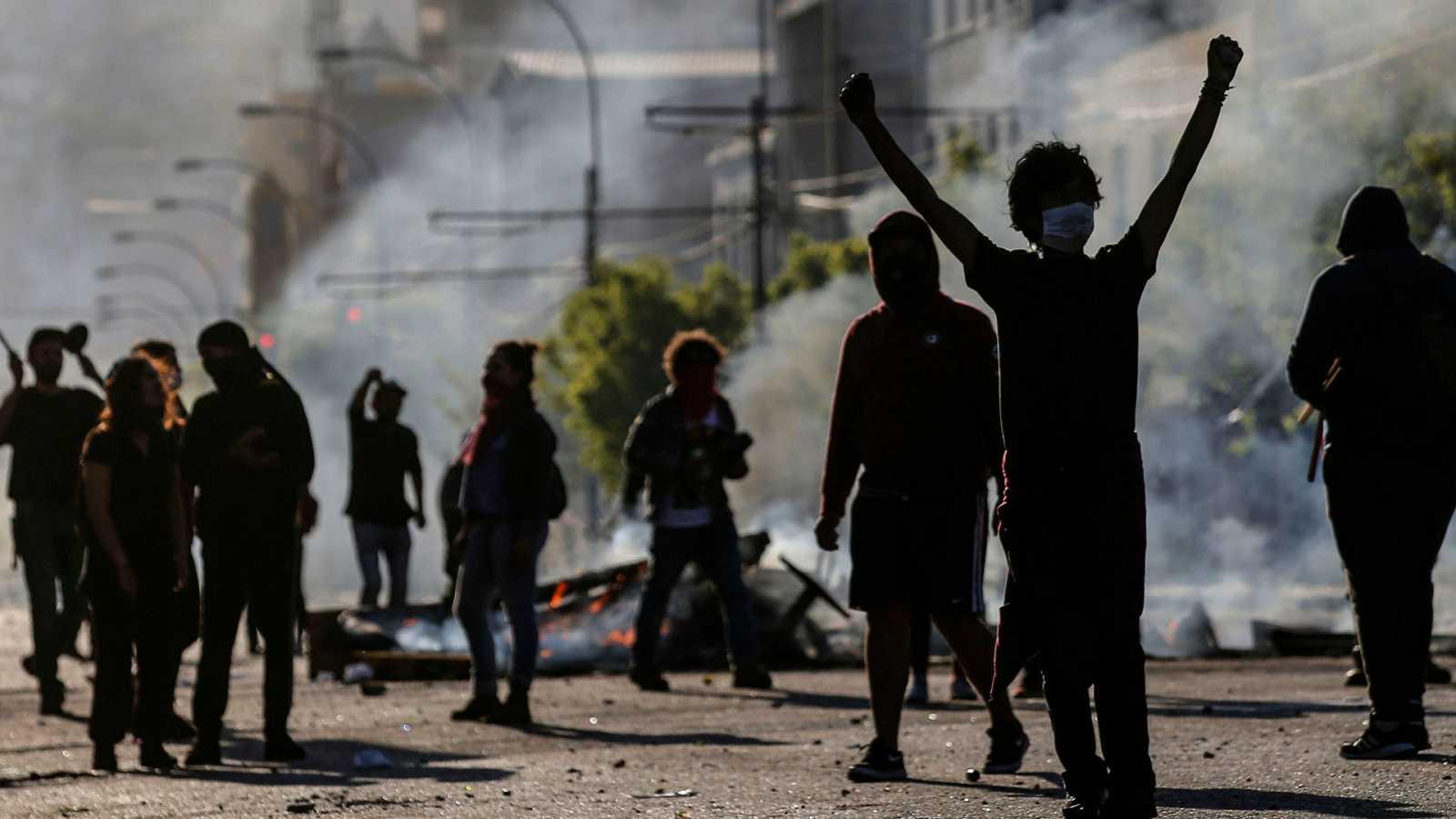 Informe Semanal - La revuelta se globaliza - ver ahora