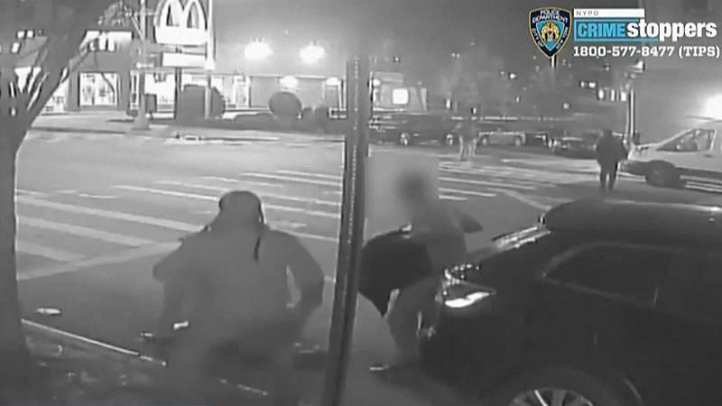 Matan a un hombre de una paliza en Nueva York después de robarle un dólar - Ver ahora