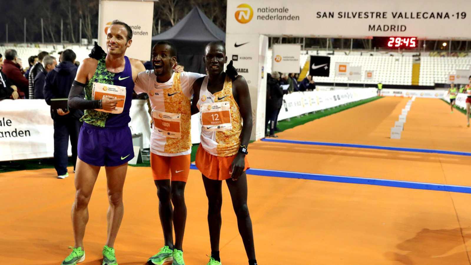 El belga de origen somalí Bashir Abdi, con un tiempo de 27:47, y la etíope Helen Bekele Tola (30:50) conquistaron la 55 edición de la Nationale-Nederlanden San Silvestre Vallecana, que congregó a 42.000 corredores para estrenar la Etiqueta de Oro oto