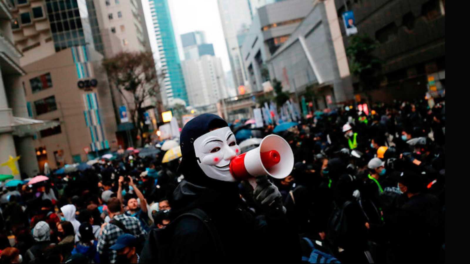 Hong Kong recibe el nuevo año con más protestas populares que exigen reformas democráticas