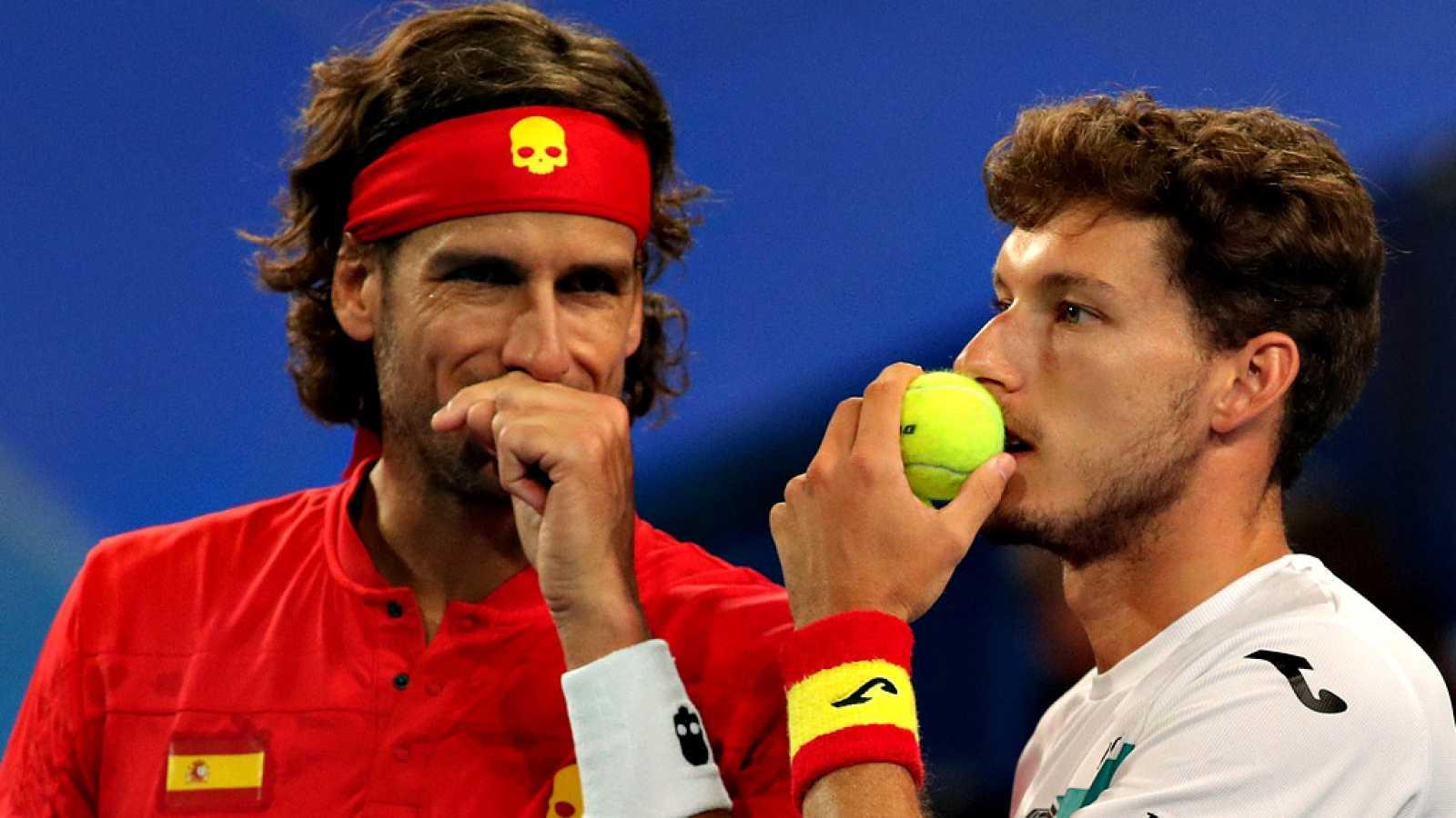 El equipo español repitió 3-0 en la Copa ATP frente a Uruguay, con un Rafael Nadal arrollador, mientras que Serbia, que doblegó a Francia por 2-1, y aseguró su pase a los cuartos de final. Ante unos 14.000 aficionados en el RAC Arena de Perth, España
