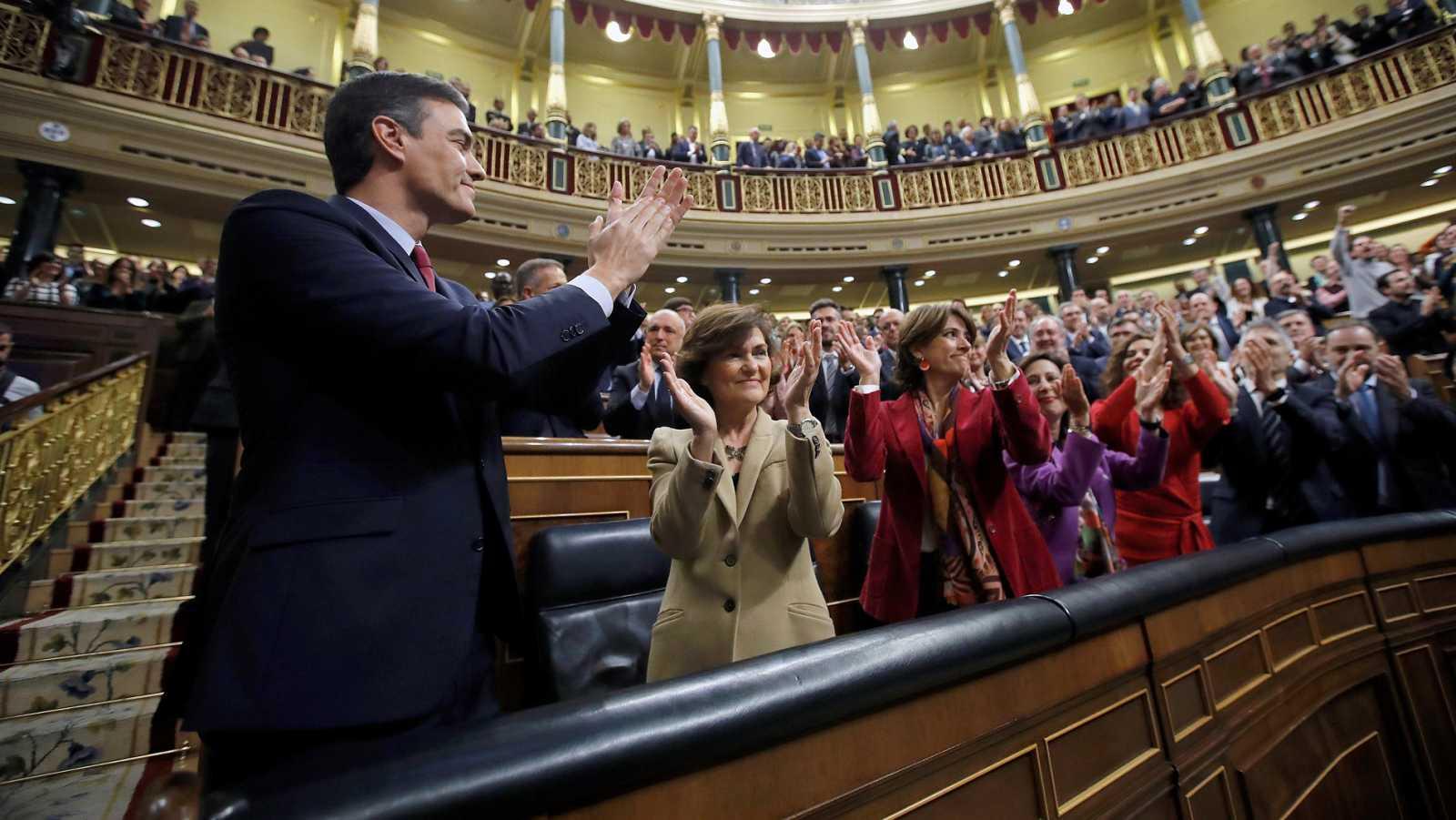 Sánchez, investido presidente del Gobierno con dos votos de diferencia