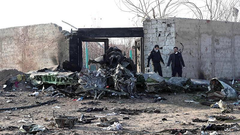 Mueren 176 personas al estrellarse un Boeing 737 en Irán