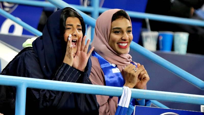 La Supercopa más polémica que se recuerda en sus 33 ediciones, por su celebración en Arabia Saudi. La vulneración de los Derechos Humanos, y la discriminación a las mujeres en este país, centran las denuncias de las organizaciones humanitarias.