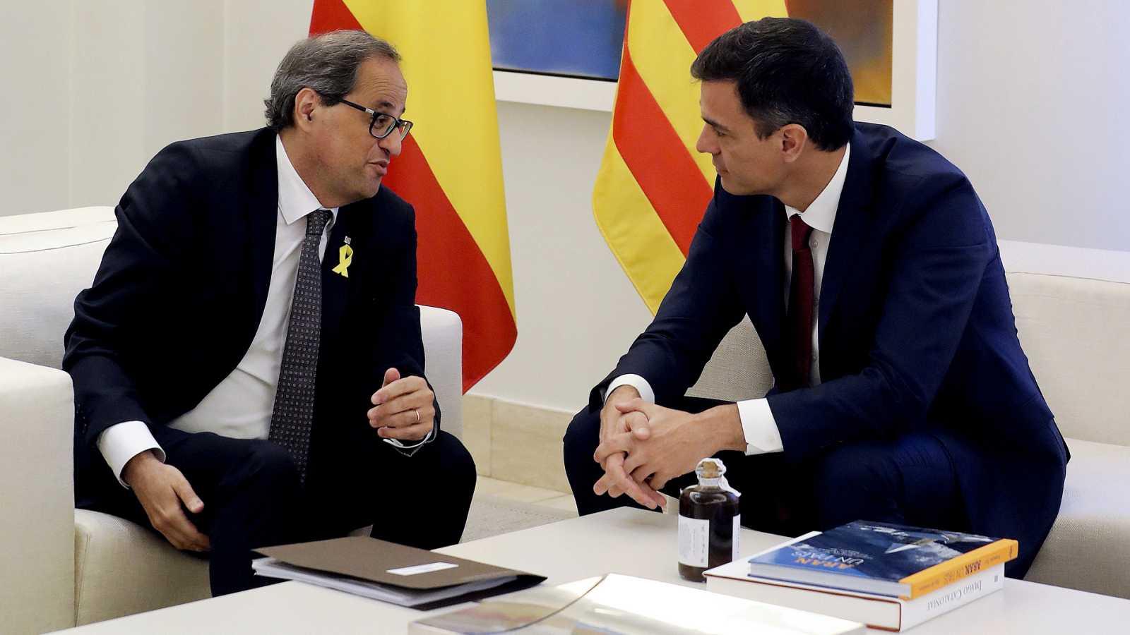 """Sánchez traslada por teléfono a Torra y su """"voluntad sincera"""" de arreglar el """"conflicto político"""" en Cataluña"""
