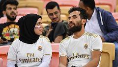 Mujeres en Yeda para ver el Valencia - Real Madrid