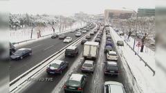 Aquí la Tierra - ¿Pueden 6 cm de nieve colapsar una ciudad?