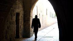 Detienen a un rabino por esclavizar mujeres y niños