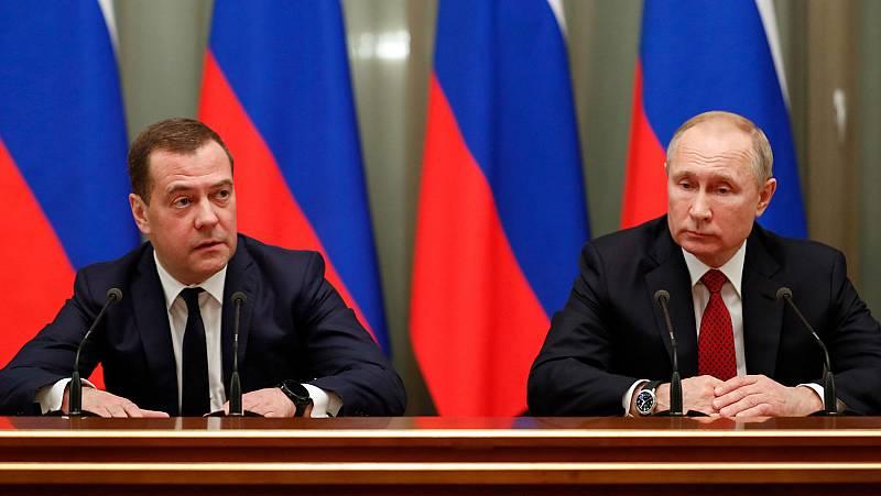El Gobierno de Medvédev dimite en bloque tras el anuncio de Putin de modificar la Constitución