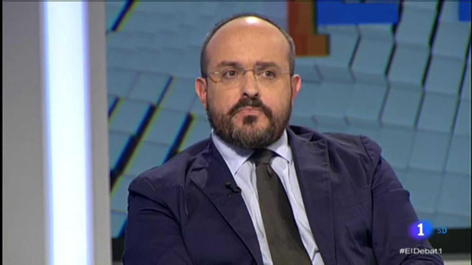 Entrevista a Alejandro Fernández a El Debat de La 1, on critica l'actitud dels socialistes a Catalunya