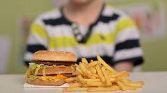 Trump quiere que los escolares puedan elegir entre verdura o hamburguesa