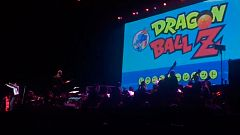 Un cantante japonés resulta herido tras caer del escenario en un espectáculo de 'Bola de dragón'