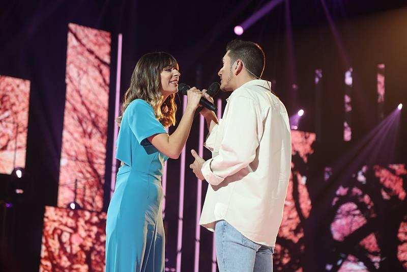 Bruno y Maialen han interpretado Sinmigo, de Mr Kilombo y Rozalén, en la Gala 1 de Operación Triunfo 2020