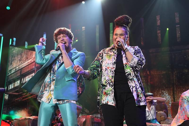 Jesús y Eli han cantan Atrévetetete, de Calle 13, en la Gala 1 de Operación Triunfo 2020