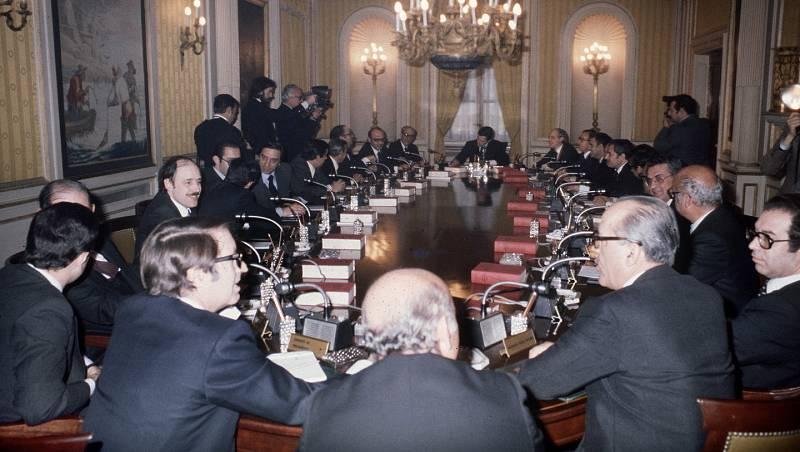 Parlamento - El reportaje - Los gobiernos de la democracia - 18/01/2020