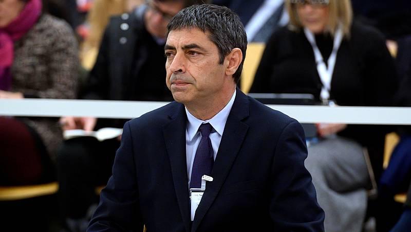Trapero niega tener relación con Puigdemont y defiende el papel de los Mossos en el asedio a la Conserjería de Eeconomía