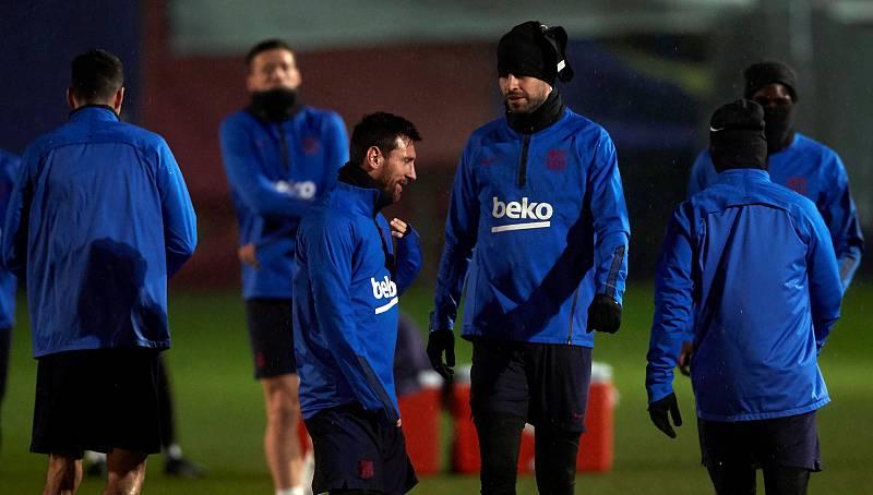 Messi y Piqué durante el entrenamiento previo al encuentro de la Copa del Rey ante el Ibiza