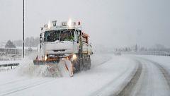 Los militares colaboran para reabrir las carreteras cortadas en Teruel por el temporal 'Gloria'