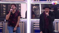 """OT 2020 - Bruno y Javy cantan """"Mucho mejor"""" en el primer pase de micros de la Gala 2 de """"Operación Triunfo 2020"""""""