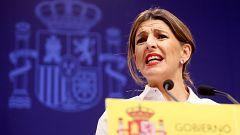 Gobierno, sindicatos y patronal pactan subir el salario mínimo a 950 euros