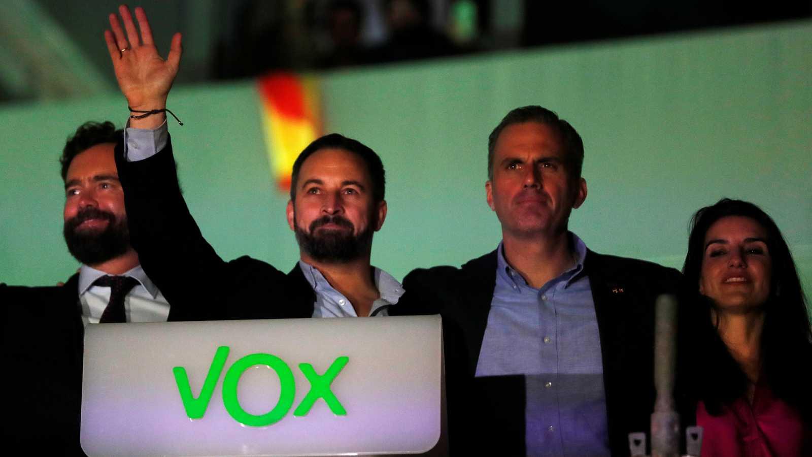 """Twitter cierra el perfil de Vox por """"incitación al odio"""""""