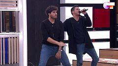 """OT 2020 - Bruno y Javy cantan """"Mucho mejor"""" en el segundo pase de micros de la Gala 2 de """"Operación Triunfo 2020"""""""