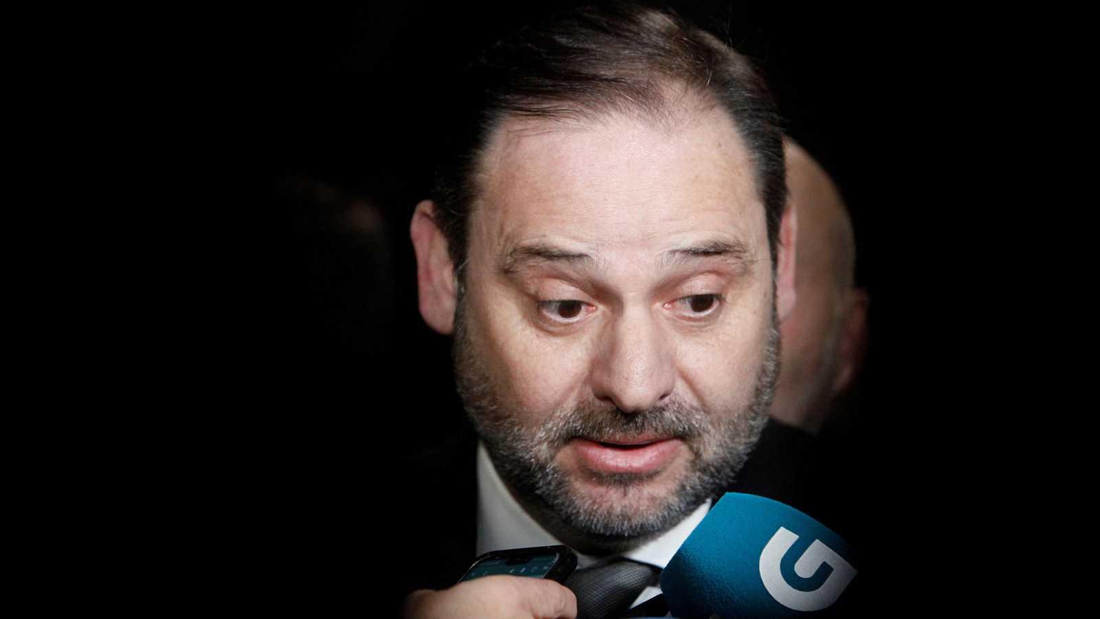 """Ábalos rechaza dimitir e insiste en que su encuentro con la vicepresidenta de Maduro se limitó a un saludo """"forzado"""""""