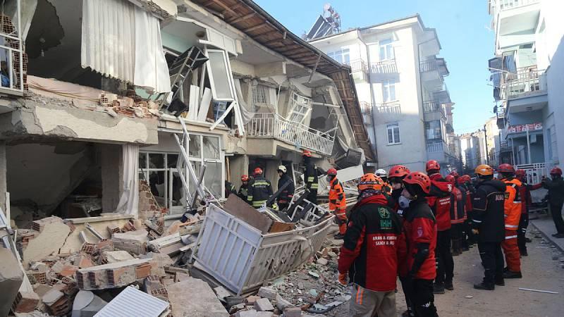 Un terremoto de magnitud 6,8 sacude el sureste de Turquía