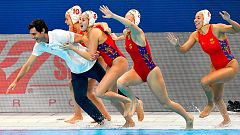 Fiesta de España en el agua tras ganar la final del Europeo