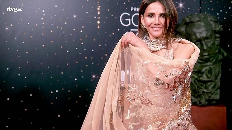 Premios Goya - Goya Toledo luce su capa en la cámara glamur de los Goya