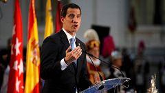 """La ministra de Exteriores traslada a Guaidó el """"pleno respaldo"""" del Gobierno en su primera visita a España"""