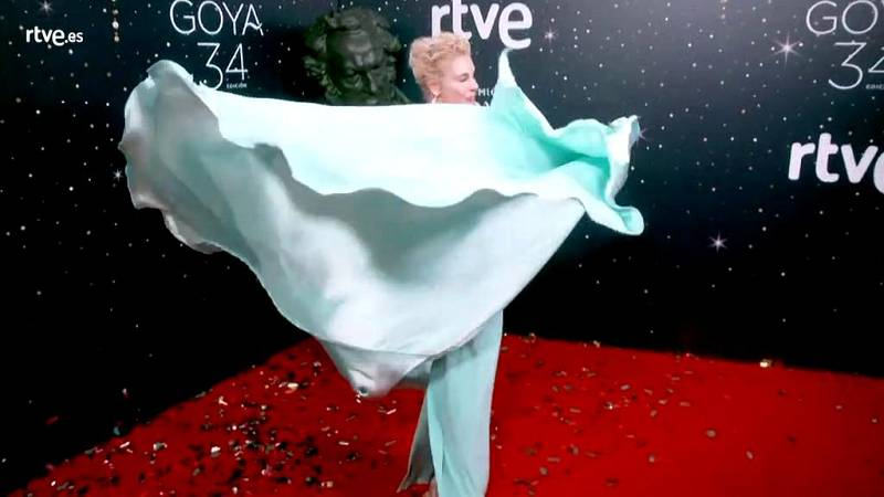 Premios Goya - Belén Rueda posa en la cámara glamur antes de entregar un Goya
