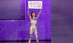 Una activista contra el cambio climático se 'cuela' en los Goya e interrumpe a los 'Javis'