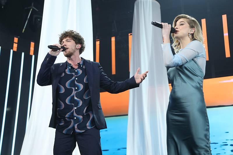 """Jesús y Samantha interpretan """"Mediterráneo"""", de Serrat, en la Gala 2 de """"Operación Triunfo 2020"""""""