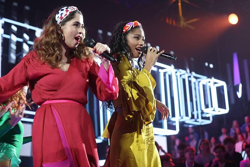 """Anajú y Nia cantan """"Guantanamera"""", de Celia Cruz, en la Gala 2 de """"Operación Triunfo 2020"""""""