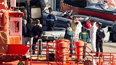 Aparece un cadáver en el mar que podría ser el de uno de los seis tripulantes del Rúa Mar