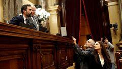 """Torrent para el pleno del Parlament tras los gritos de """"delincuente"""" de Ciudadanos a Torra"""