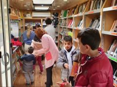España Directo - Así celebra sus 30 años el bibliobus de Salamanca