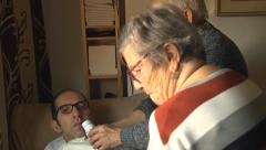 Un matrimonio de jubilados demanda una residencia para su hijo discapacitado