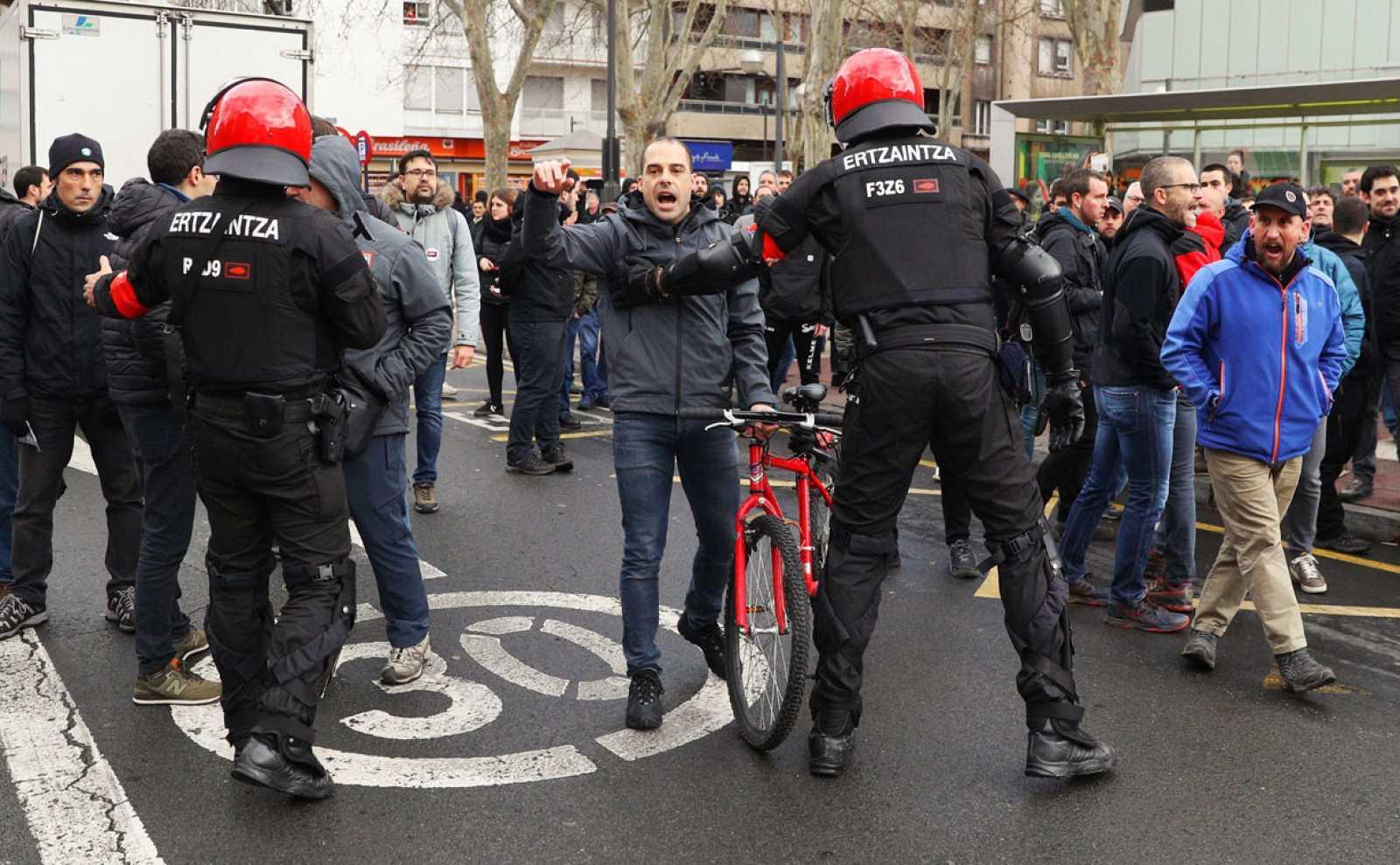 Huelga general en País Vasco y Navarra para reivindicar empleos estables y pensión mínima de 1080 euros