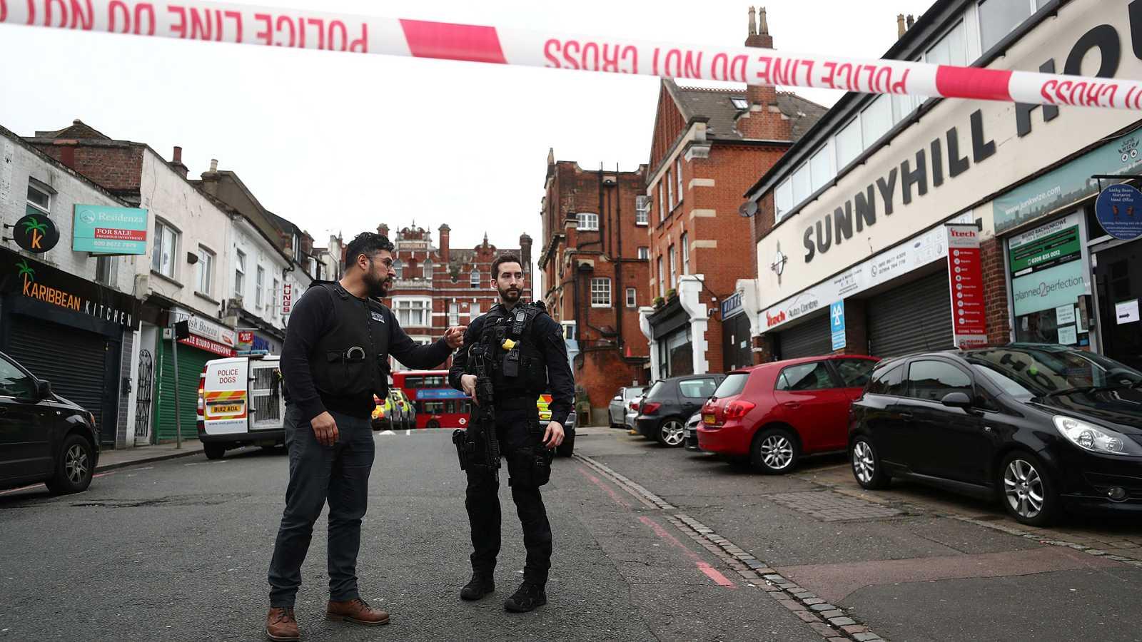 La Policía de Londres mata a un hombre tras un apuñalamiento múltiple