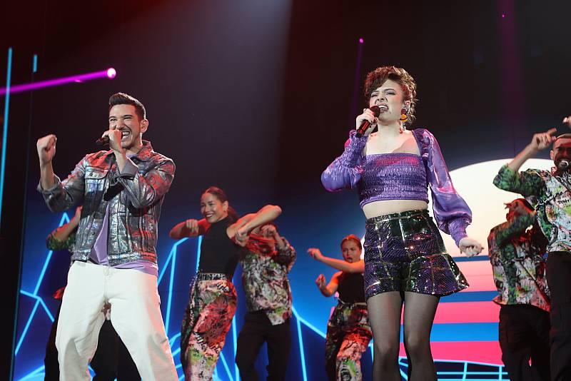 Bruno y Anne cantan Podría ser peor, de La Casa Azul, en la Gala 3 de Operación Triunfo 2020