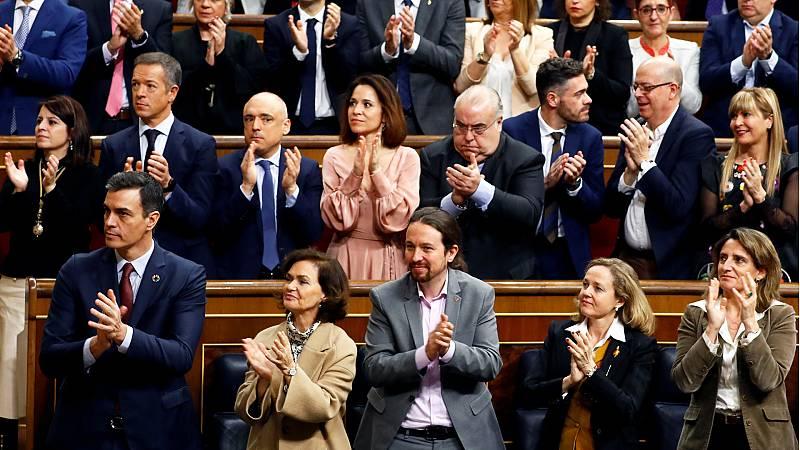Iglesias y los ministros de Unidas Podemos aplauden al rey en el Congreso, pero no sus diputados