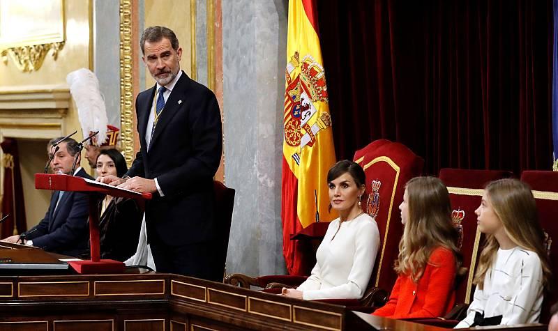 """El rey, en la apertura de las Cortes: """"España no puede  ser de unos contra otros, debe ser de todos y para todos"""""""