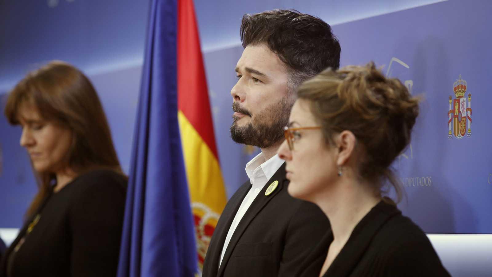 Los partidos independentistas rechazan participar en la apertura solemne de las Cortes y leen un manifiesto contra la Monarquía