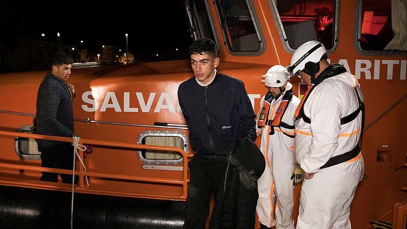 España deporta inmigrantes a Mauritania